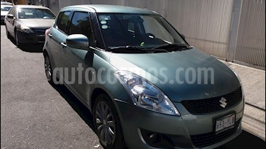 Foto venta Auto Seminuevo Suzuki Swift GLX Aut (2012) color Verde precio $123,000