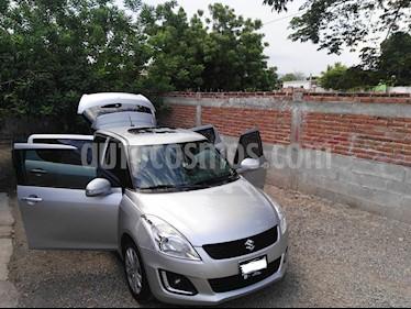Foto venta Auto usado Suzuki Swift GLX (2015) color Plata precio $157,000