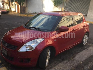 Suzuki Swift GLX usado (2012) color Rojo precio $105,000