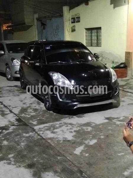 Suzuki Swift GLX usado (2017) color Negro precio $180,000