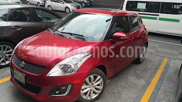 Suzuki Swift GLX Aut usado (2017) color Rojo precio $200,000