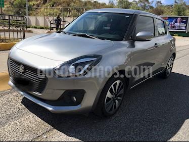 Suzuki Swift GLX Aut usado (2018) color Plata precio $220,000