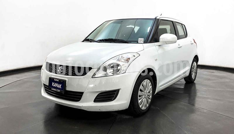 Suzuki Swift GL usado (2012) color Blanco precio $124,999