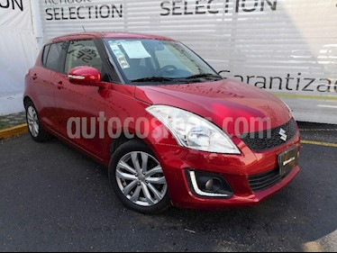 Suzuki Swift GLX Aut usado (2015) color Rojo Rock precio $158,000