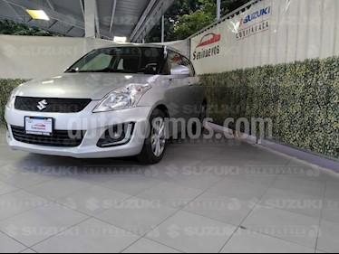 Suzuki Swift GLX Aut usado (2017) color Plata Instrumental precio $189,000