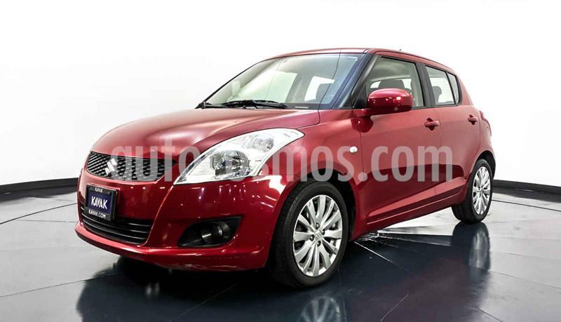 Suzuki Swift GLS usado (2012) color Rojo precio $122,999