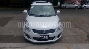 Suzuki Swift GLX Aut usado (2015) color Blanco precio $148,000