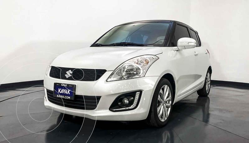 Suzuki Swift GLX usado (2014) color Blanco precio $154,999