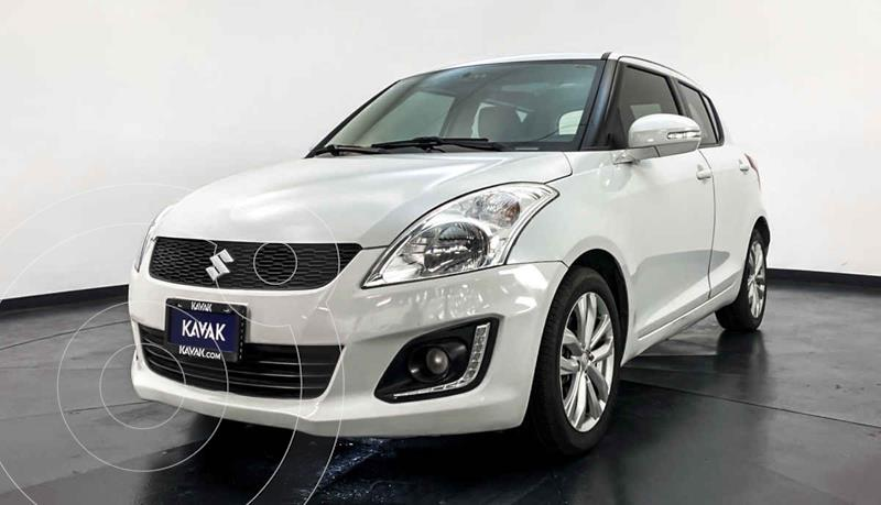 Suzuki Swift GLX Aut usado (2014) color Blanco precio $159,999