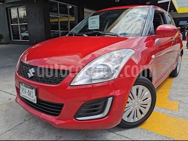 Suzuki Swift 1.4L usado (2017) color Rojo Rock precio $145,000
