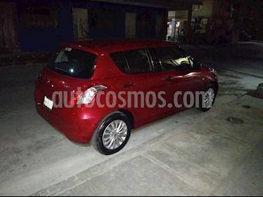 Suzuki Swift GA usado (2015) color Rojo precio $120,000