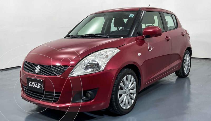 Suzuki Swift GLS usado (2013) color Rojo precio $127,999