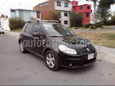 Foto Suzuki SX4 X-Over 2.0L usado (2012) color Negro precio $105,000