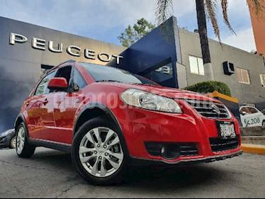 Suzuki SX4 X-Over 2.0L Aut. usado (2013) color Rojo precio $144,900