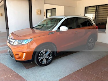 Suzuki Vitara GLX Aut usado (2016) color Bronce precio $250,000