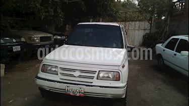 Foto venta carro usado Suzuki VITARA xl (1998) color Blanco precio u$s1.600