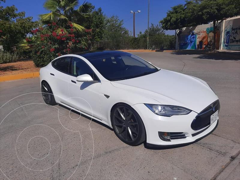 Tesla Model S 85D usado (2016) color Blanco precio $730,000