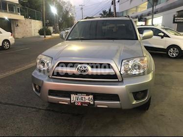 Foto venta Auto usado Toyota 4 Runner Limited 3rd Row (2006) color Gris Plata  precio $145,000