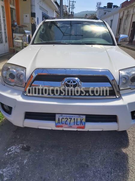 Toyota 4Runner 4x2 usado (2007) color Blanco precio u$s13.000