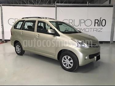 Toyota Avanza Premium (99Hp) usado (2014) color Champagne precio $153,000
