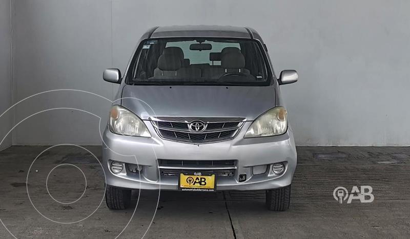 Foto Toyota Avanza Premium usado (2011) color Plata Dorado precio $120,000