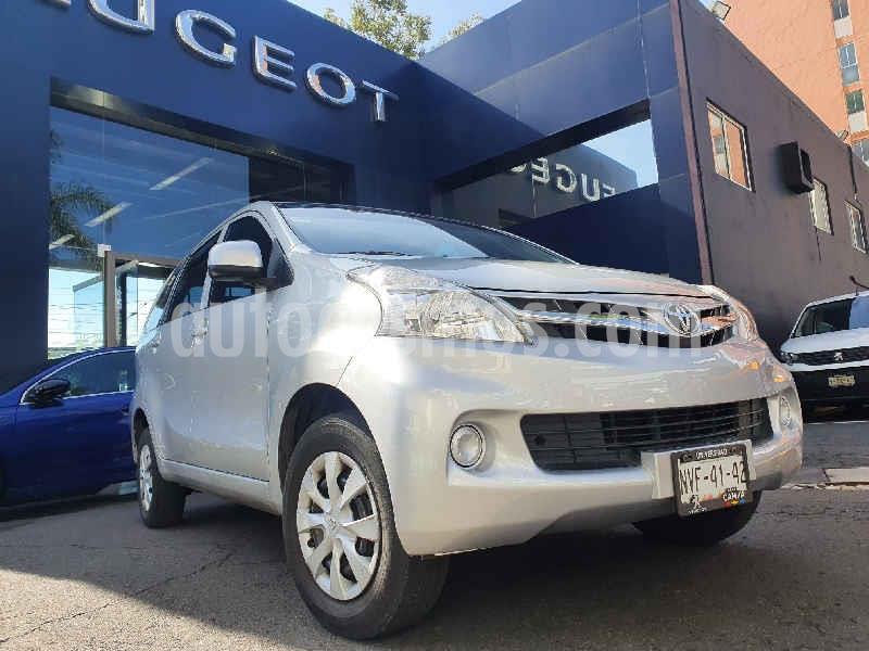 Toyota Avanza Premium usado (2015) color Plata precio $154,900