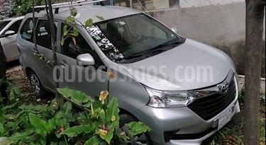 Toyota Avanza Premium (99Hp) usado (2016) color Plata Metalico precio $180,000