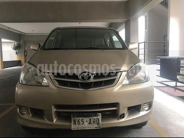 Toyota Avanza Premium Aut usado (2010) color Arena precio $115,000