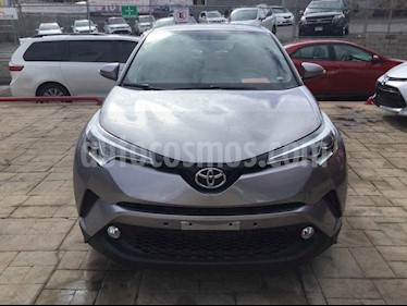 Foto venta Auto usado Toyota C-HR 2.0L (2018) color Plata precio $350,000
