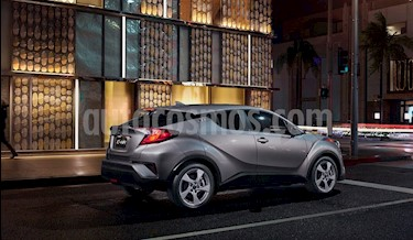 Toyota C-HR 2.0L nuevo color Gris precio $374,900