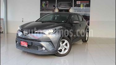 Toyota C-HR 4p CVT L4/2.0 Aut usado (2018) color Gris precio $330,000