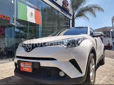Toyota C-HR 4p CVT L4/2.0 Aut usado (2019) color Blanco precio $329,000