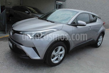 Toyota C-HR 2.0L usado (2019) color Plata precio $319,000