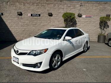 Foto venta Auto usado Toyota Camry 4p SE V6/3.5 Aut (2013) color Blanco precio $155,000