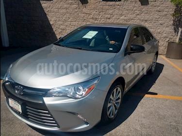 Foto venta Auto usado Toyota Camry 4p XLE L4/2.5 Aut Navi (2017) color Plata precio $355,000