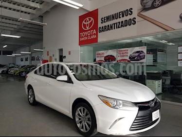 Toyota Camry 4p XLE L4/2.5 Aut usado (2017) color Blanco precio $299,000