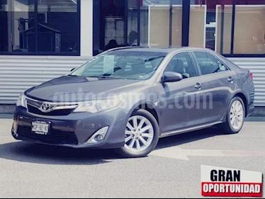 Foto venta Auto usado Toyota Camry 4p XLE L4/2.5 Aut (2014) color Gris precio $198,000