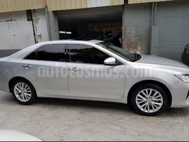 Foto Toyota Camry 3.0 V6 Aut usado (2015) color Plata precio $1.300.000