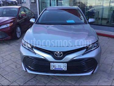 Foto venta Auto usado Toyota Camry LE 2.4L (2018) color Plata precio $335,000