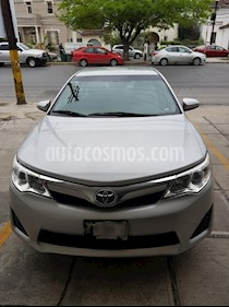 Toyota Camry LE 2.4L usado (2013) color Plata precio $187,000