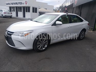 Foto venta Auto Seminuevo Toyota Camry LE 2.5L (2017) color Blanco precio $299,000