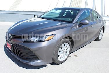 Foto venta Auto usado Toyota Camry LE 2.5L (2018) color Gris Metalico precio $345,000