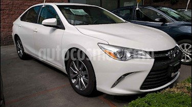 Foto venta Auto usado Toyota Camry LE 2.5L (2017) color Blanco precio $239,000
