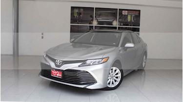 Foto venta Auto usado Toyota Camry LE 2.5L (2019) color Plata precio $387,000