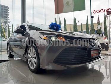 Foto venta Auto usado Toyota Camry LE 2.5L (2019) color Gris precio $382,000