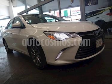Toyota Camry XLE V6 usado (2016) color Blanco precio $288,000
