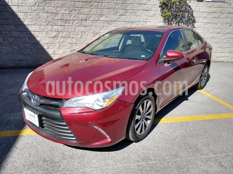 Toyota Camry XLE 2.5L Navi usado (2016) color Rojo precio $230,000