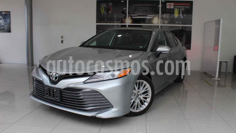 Toyota Camry XLE 2.5L Navi usado (2020) color Plata precio $508,000