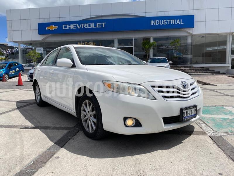 Toyota Camry XLE 3.5L V6 usado (2010) color Blanco precio $135,000