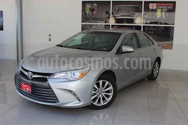 Toyota Camry 4p LE L4/2.5 Aut usado (2017) color Plata precio $245,000